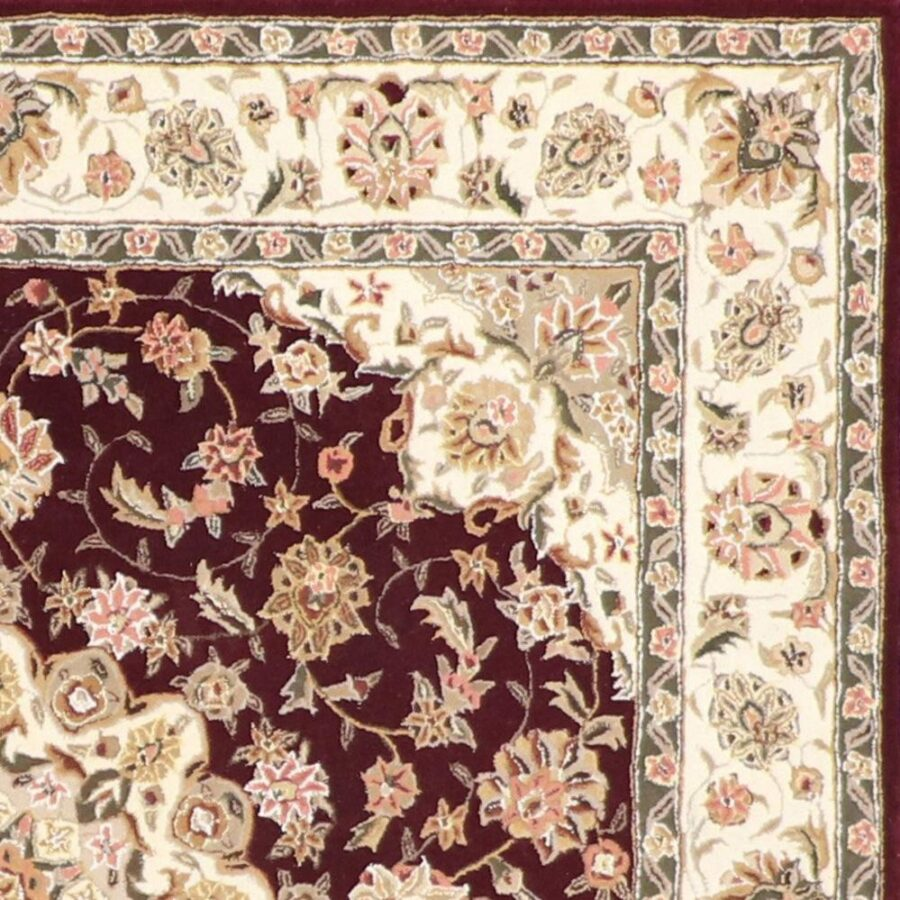 """5'6""""x5'6"""" Traditional Red Wool & Silk Hand-Tufted Rug - Direct Rug Import 
